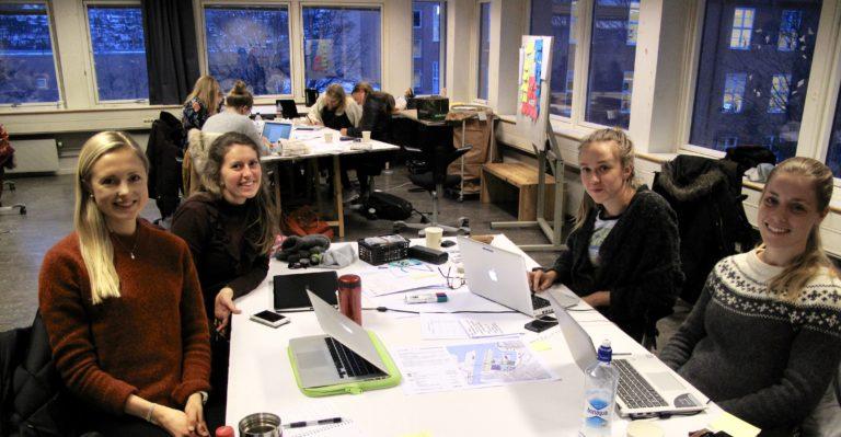 Helle Slupphaug, Tuva Verpe, Oda Hjelme and Inga Gloppen is studying Master of Science in Adult Learning, Pharmacy, Master in architecture, Energy and Environmental Engineering and Medicine. Photo: Vilde Øines Nybakken.